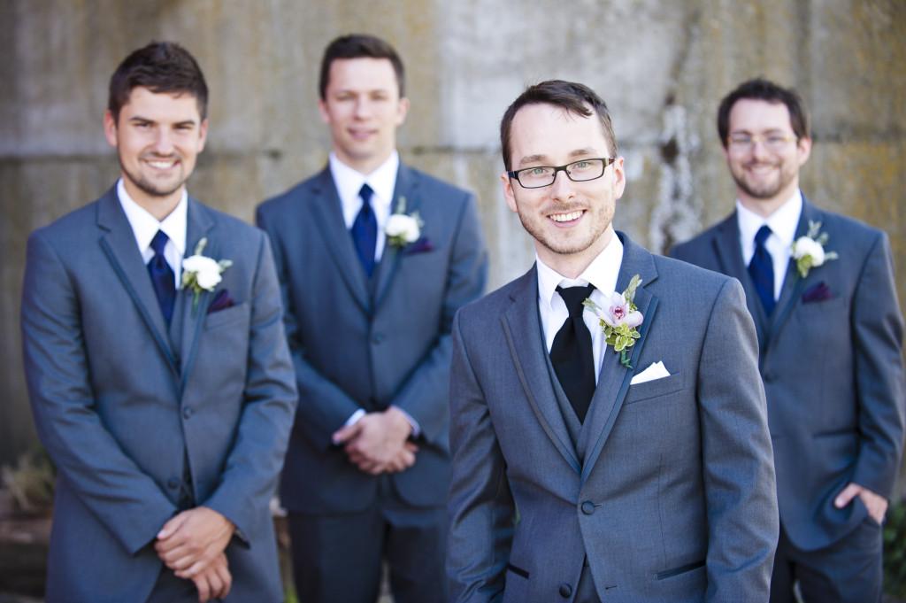 groom portrait, wedding, saar bank farms