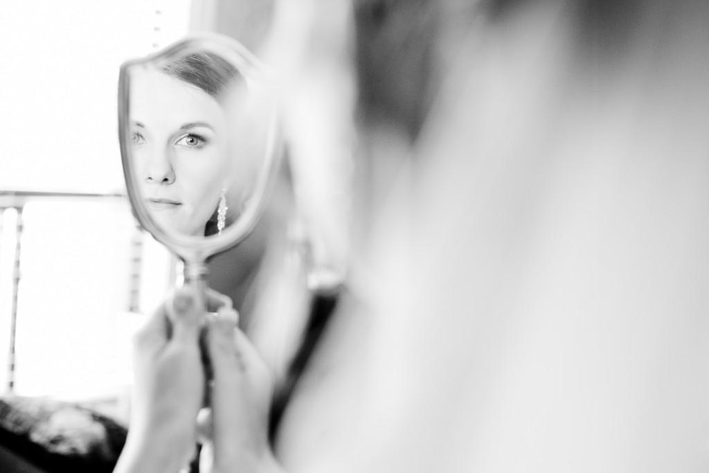 bride looking in mirror, chilliwack wedding