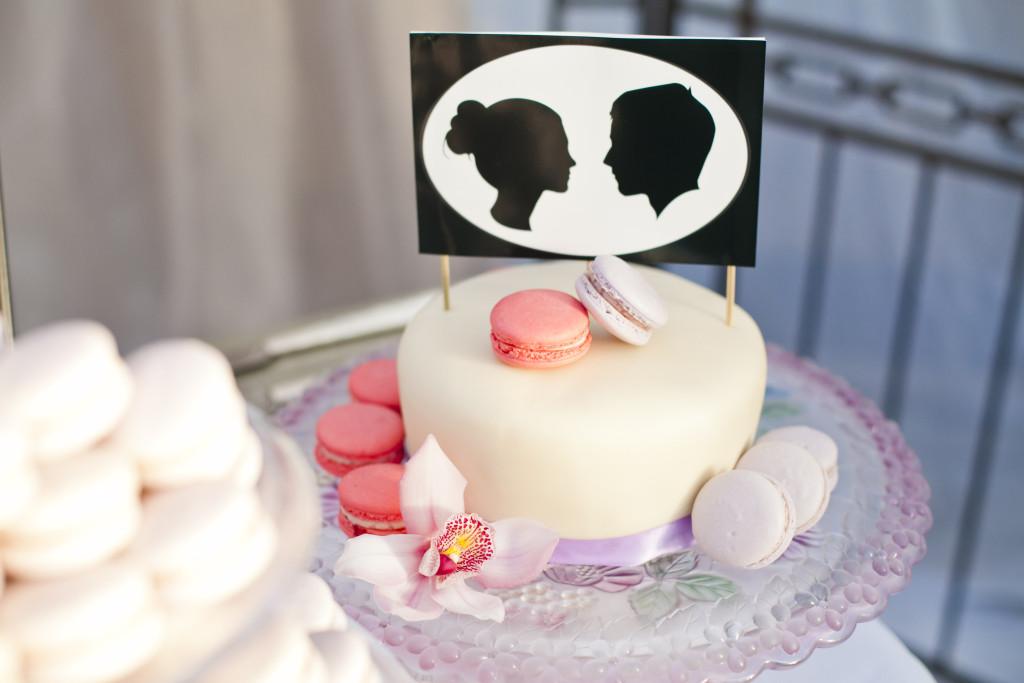 macarons wedding cake, abbotsford wedding photographer