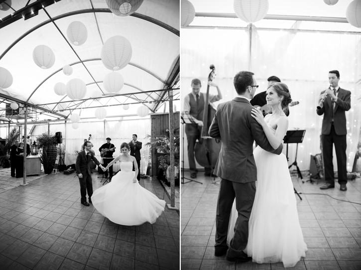 first dance, wedding at secret garden at woodbridge ponds