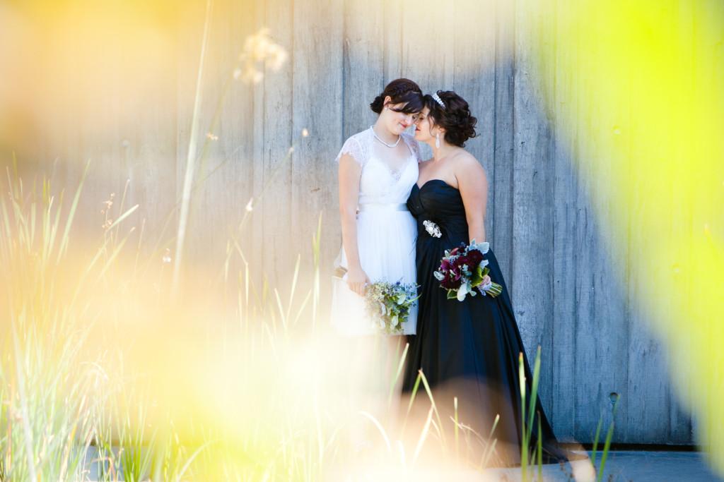 richmond oval wedding photo couple lgbt wedding
