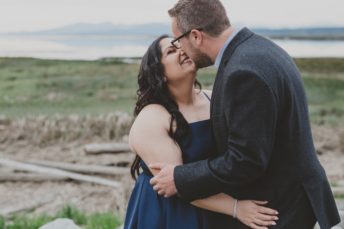 richmond engagement photos, terra nova park engagement, indian wedding photos, indian engagement photos,