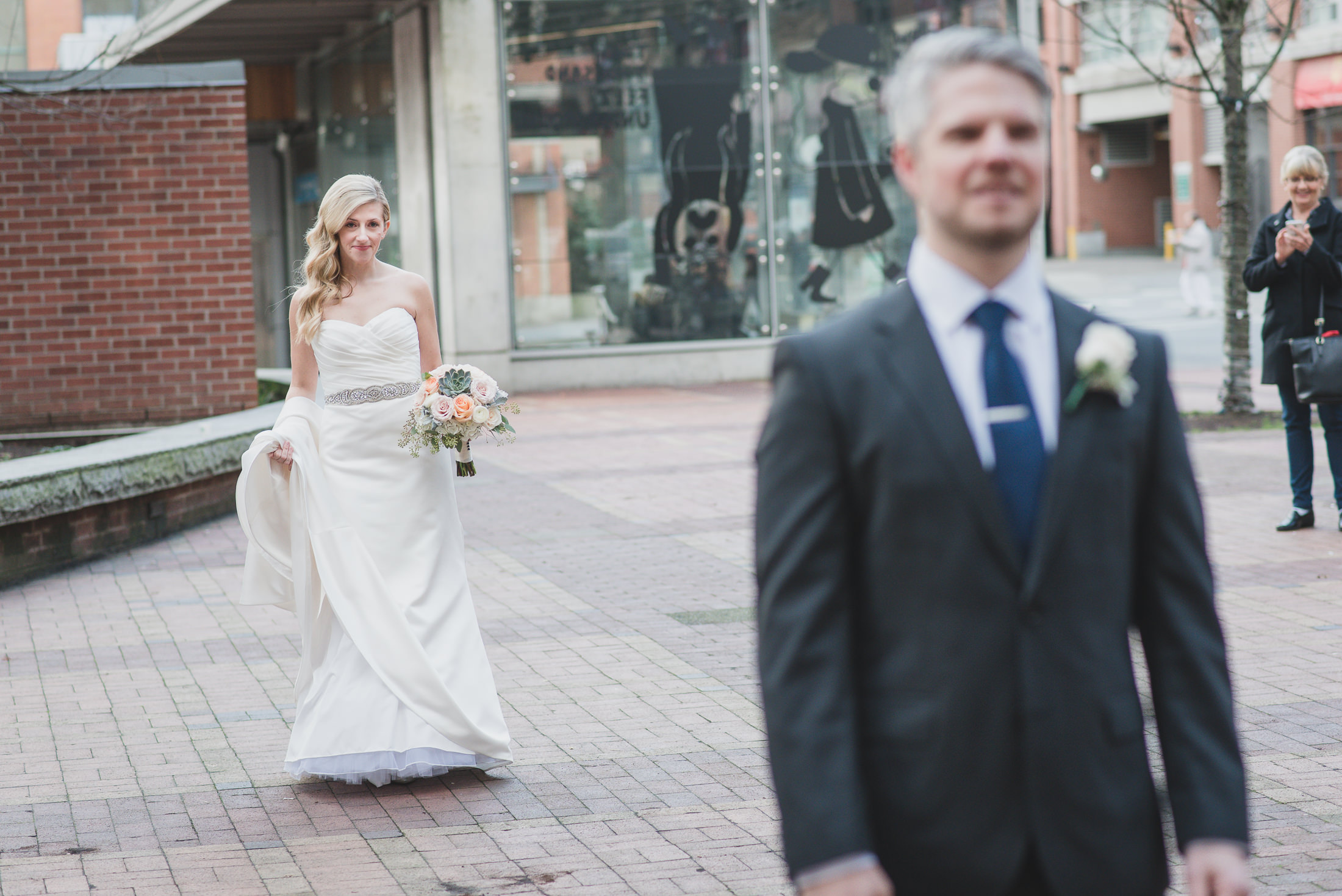 urban wedding vancouver first look yaletown