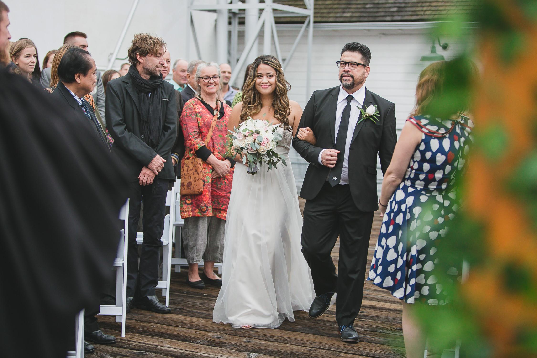 wedding processional, bride entering with dad