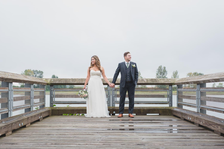 wedding couple photos on dock in steveston