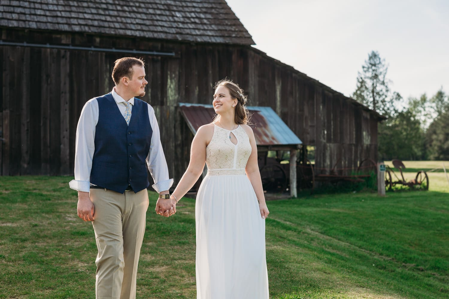 campbell valley barn portraits after elopement ceremony